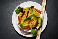 Tallarines con las verduras Foto de archivo libre de regalías