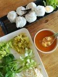 Tallarines de arroz con la salsa de curry del cangrejo Imagen de archivo