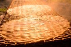Tallarines de arroz en la fabricación Fotografía de archivo libre de regalías