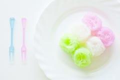 Tallarines dulces en jarabe de la leche de coco Imagenes de archivo