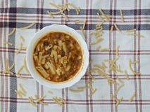 Tallarines hechos a mano, comida turca, comida de los tallarines Fotografía de archivo