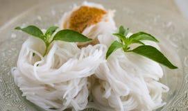 Tallarines tailandeses de la comida Foto de archivo libre de regalías