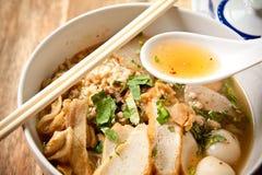 Tallarines tailandeses picantes. Foto de archivo libre de regalías