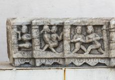 Tallas antiguas en la piedra de mármol, palacio de la ciudad, Udaipur, Rajasthán, la India fotografía de archivo libre de regalías
