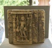 Tallas de Lord Shiva en piedra en el palacio de la ciudad, Udaipur, Rajasthán, la India imagenes de archivo
