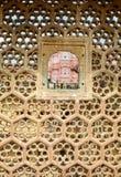 Tallas hermosas de la piedra arenisca en la pared Fotos de archivo