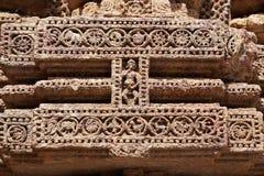 Tallas hermosas en la pared del templo Konar del sol Fotos de archivo