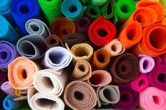 Taller casero con los accesorios para la costura Bolas para el knittin Fotos de archivo libres de regalías