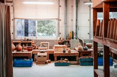 Taller de cerámica del arte de la cerámica de la arcilla, cerámica de cerámica que hace el estudio Imagen de archivo