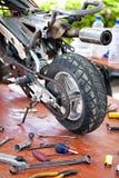 Taller de la motocicleta Imagenes de archivo
