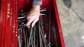 Taller de reparaciones del automóvil almacen de metraje de vídeo