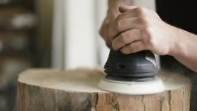 Taller de Sanding Wood In del carpintero almacen de metraje de vídeo