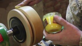 Taller de torneado de madera almacen de video