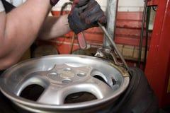 Taller del neumático Fotos de archivo libres de regalías