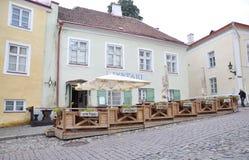 Tallin, am 23. August 2014 - im Stadtzentrum gelegene Terrasse von Tallin in Estland Lizenzfreie Stockfotografie