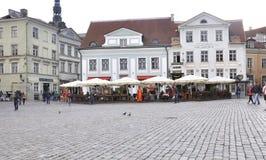 Tallin, el 23 de agosto de 2014 - plaza céntrica de Tallin en Estonia Fotografía de archivo libre de regalías