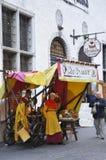Tallin, el 23 de agosto de 2014 - plaza céntrica de Tallin en Estonia Imágenes de archivo libres de regalías