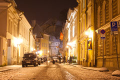 Tallin Estland 01 01 2012: nattsikter av Tallinn på helgdagsafton för ` s för nytt år Royaltyfri Bild