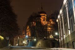 Tallinn Aleksander Nevski Cathedral bij de Winternacht royalty-vrije stock afbeelding