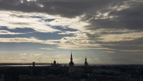 Tallinn beskådar från det Radisson SAS hotellet Royaltyfria Bilder