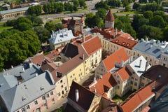 Tallinn desde arriba imagenes de archivo