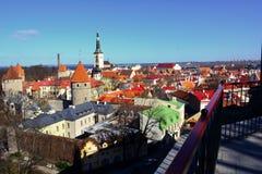Tallinn, die Hauptstadt von Estland Panoramablick der mittelalterlichen Stadt vom Balkon, Tallinn, Estland Lizenzfreie Stockfotografie