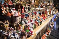 Tallinn, Eesti - Dezember 2017: Schaukasten des Weihnachtsstalls auf Messe Lizenzfreie Stockfotos