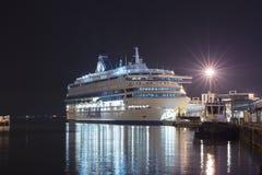 TALLINN, ESTÔNIA - 16 DE AGOSTO DE 2018: Balsas de Tallink no porto fotos de stock royalty free