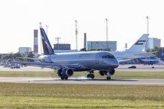 Tallinn, Estônia - 31 de maio de 2018: RA-89064 Aeroflot - ar do russo Fotografia de Stock
