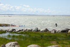 Tallinn, Estônia 10 de julho: Vento que surfa no mar Báltico Tallinn, Imagem de Stock