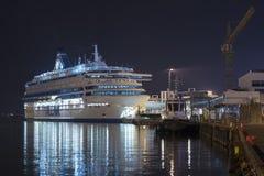 TALLINN, ESTLAND - AUGUSTUS 16, 2018: Tallinkveerboten bij de haven stock foto
