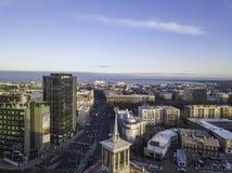 TALLINN ESTLAND - 01, 2018 flyg- cityscape av den moderna affären Arkivfoto