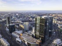 TALLINN ESTLAND - 01, 2018 flyg- cityscape av den moderna affären Royaltyfri Fotografi