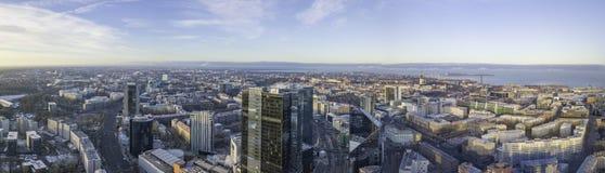TALLINN ESTLAND - 01, 2018 flyg- cityscape av den moderna affären Fotografering för Bildbyråer