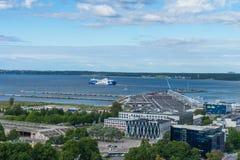 TALLINN ESTLAND - 05 07 2017 flyg- sikt av Tallinn i en beauti Royaltyfri Foto