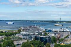 TALLINN ESTLAND - 05 07 2017 flyg- sikt av Tallinn i en beauti Arkivbild