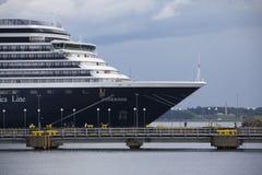Tallinn, Estland 10 JULI: Het schip van de Zuiderdamcruise in haven van Lang Stock Afbeeldingen