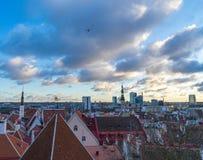TALLINN ESTLAND - 24 12 2017: Sikt av staden Tallinn, Estland Royaltyfria Bilder