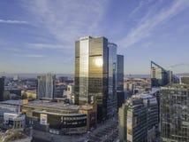 TALLINN, ESTLAND - 01, Stadtbild mit 2018 Antennen modernem Geschäft Stockbilder