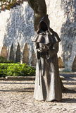 TALLINN, ESTONIA - 9 DE SEPTIEMBRE DE 2016: Esculturas del monje en DA Imagen de archivo libre de regalías