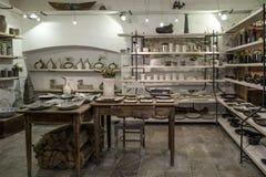 Tallinn, Estonia, Europa, tienda de la cerámica Fotografía de archivo
