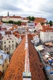 Tallinn, Estonia - 7 2015 Lipiec Tallinn urzędu miasta czerwony kafelkowy dach Zdjęcia Royalty Free