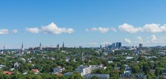 TALLINN, ESTONIA 21 07 2017 Scenicznych lat panoram miasto T Obrazy Stock
