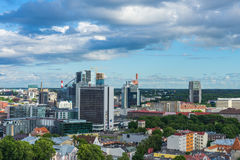 TALLINN, ESTONIA - 05 07 Vista aérea 2017 de Tallinn en un beauti Imagen de archivo libre de regalías