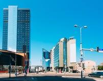 Tallinn, Estonie Architecture moderne dans la capitale estonienne Gratte-ciel de centre d'affaires sur Tallinn - Tartu - Vyru - Photographie stock libre de droits