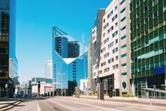 Tallinn, Estonie Architecture moderne dans la capitale estonienne Gratte-ciel de centre d'affaires sur Tallinn - Tartu - Vyru - Photo stock