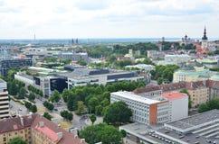 Tallinn huvudstaden av Estland från fågels en sikt för öga royaltyfria bilder