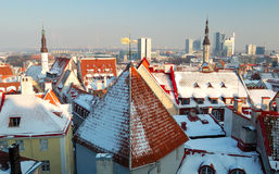 Tallinn velho e novo fotografia de stock royalty free
