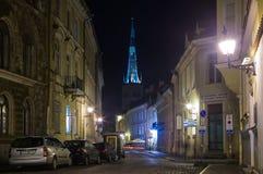 Tallinn velho na noite Imagens de Stock Royalty Free
