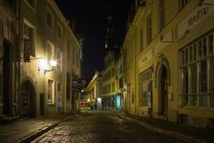 Tallinn velho na noite Fotografia de Stock